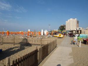 la spiaggia (2)